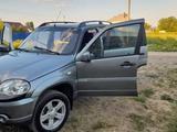 Chevrolet Niva 2014 года за 3 500 000 тг. в Петропавловск – фото 2