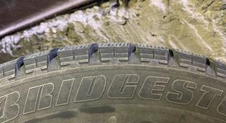 Bridgestone Blizzak REVO GZ R17 215/55 (липучка) за 450 000 тг. в Алматы