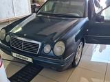 Mercedes-Benz E 280 1999 года за 2 800 000 тг. в Жанаозен – фото 3