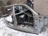 Правая сторона кузова Тойота 4runner 2002-09г за 70 000 тг. в Алматы