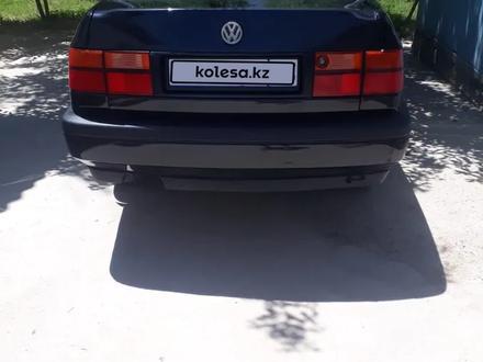 Volkswagen Vento 1994 года за 1 000 000 тг. в Жетысай – фото 2