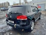 Volkswagen Touareg 2005 года за 3 300 000 тг. в Рудный – фото 4