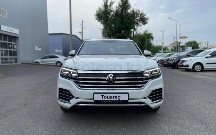 Volkswagen Touareg Комплектация Business Elegance 2021 года за 30 976 000 тг. в Тараз