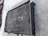 Основной радиатор Mercedes clk320 w208 за 35 000 тг. в Семей – фото 2