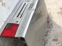 Капот задней за 100 тг. в Шымкент