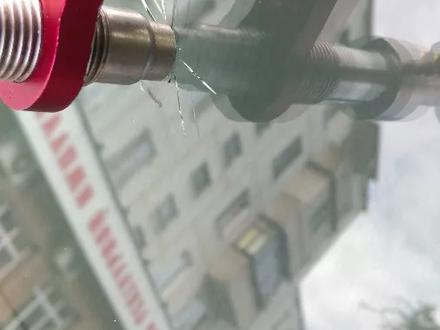 Круглосуточно! Ремонт трещин! Ремонт скол на лобовом стекле на выезд в Алматы – фото 20