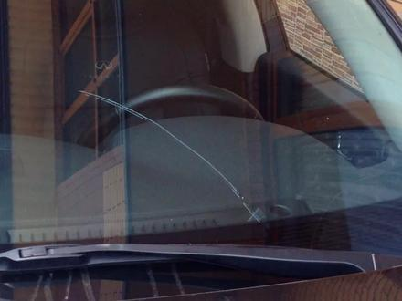 Круглосуточно! Ремонт трещин! Ремонт скол на лобовом стекле на выезд в Алматы – фото 82