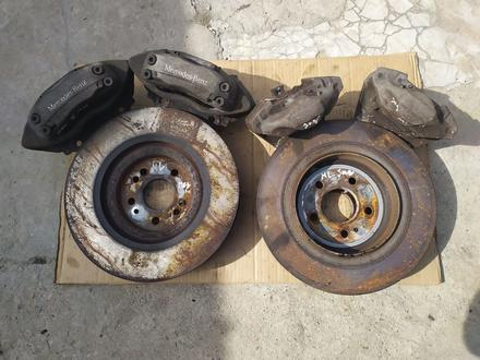 Тормозные диски с Суппортами на Mercedes ML w163. Оригинал. AMG за 2 500 тг. в Шымкент – фото 2