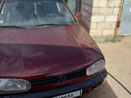 Volkswagen Golf 1994 года за 850 000 тг. в Актобе