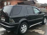 Mercedes-Benz ML 500 2003 года за 3 600 000 тг. в Усть-Каменогорск – фото 2