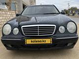 Mercedes-Benz E 320 2002 года за 3 600 000 тг. в Актау – фото 2