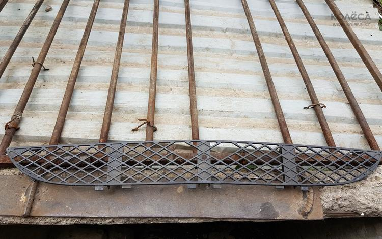 Решётка на бампер w210 за 10 000 тг. в Алматы