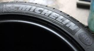 Шины Michelin 285/30/r18 2шт за 70 000 тг. в Алматы