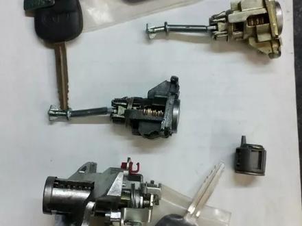 Заготовки ключей новые (выкидные ключи, корпуса для ключей, замки) за 543 тг. в Алматы – фото 3