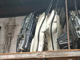 Двери mitsubishi pajero 4 за 80 000 тг. в Алматы – фото 2