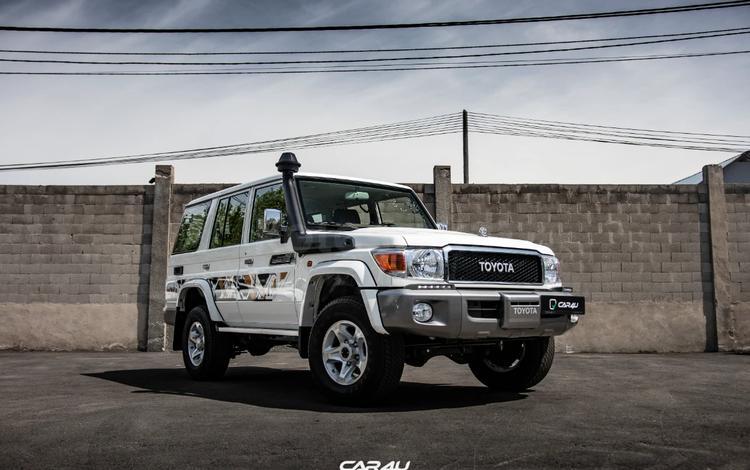 Toyota Land Cruiser 70 2021 года за 30 500 000 тг. в Алматы