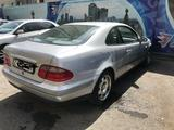 Mercedes-Benz CLK 200 1997 года за 2 000 000 тг. в Нур-Султан (Астана) – фото 2