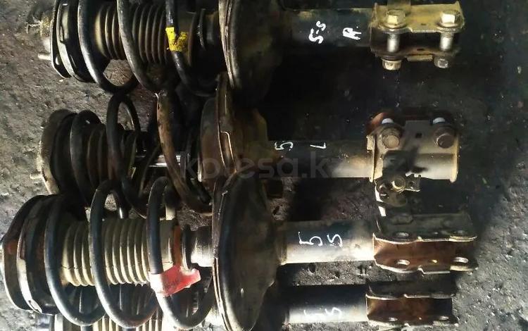 Передние стойки амортизатор за 10 000 тг. в Алматы