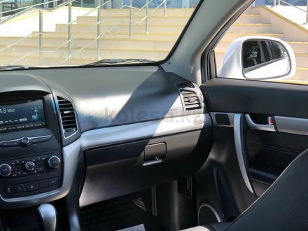 Chevrolet Captiva 2018 года за 10 300 000 тг. в Караганда – фото 16