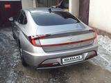 Hyundai Sonata 2020 года за 9 150 000 тг. в Алматы – фото 2