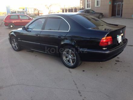 BMW 528 1998 года за 2 560 000 тг. в Караганда – фото 2
