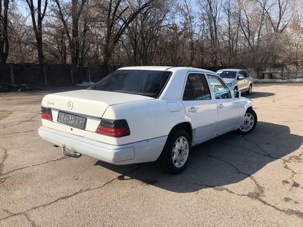 Mercedes-Benz E 230 1988 года за 790 000 тг. в Алматы – фото 4