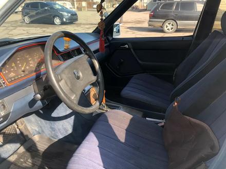Mercedes-Benz E 230 1988 года за 790 000 тг. в Алматы – фото 7