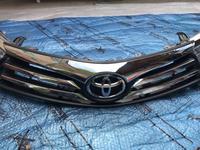 Оригинальная решетку на Тойоту Короллу 180 кузов 2013-2016 год за 5 555 тг. в Алматы