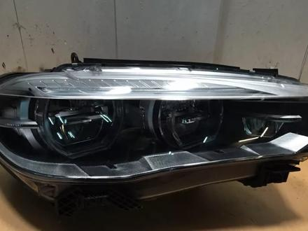 Фара правая LED X5 F15 X6 F16 BMW за 300 000 тг. в Алматы