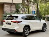 Toyota Highlander 2021 года за 29 900 000 тг. в Алматы – фото 4