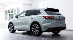 Volkswagen Touareg Business Atmosphere 2021 года за 30 976 000 тг. в Семей – фото 4