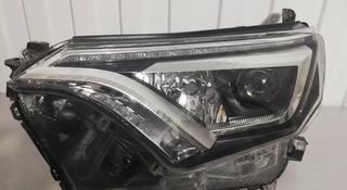 Фара передняя правая Toyota Rav 4 CA40 LED за 170 000 тг. в Нур-Султан (Астана)