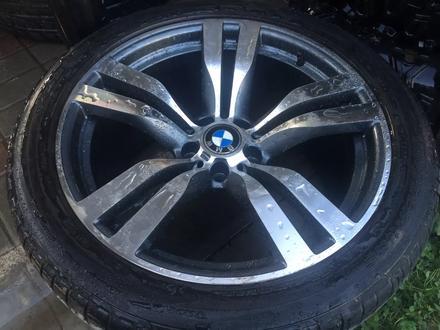 BMW x5 x6 х5 х6 — 275/40r20, 315/35r20 Шины б/у Bridgestonе Dunlop за 180 000 тг. в Алматы