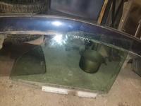 Передние дверные стекла мерседес 190 за 5 000 тг. в Актобе