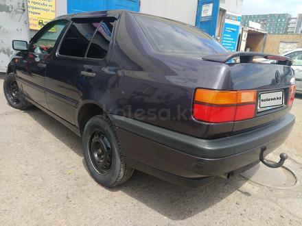 Volkswagen Vento 1995 года за 1 450 000 тг. в Караганда – фото 2