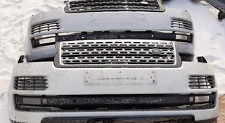 Передний бампер Land Rover Range Rover Voque 2012 — 2018 за 888 тг. в Караганда