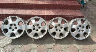 Комплект титановых дисков на Тойоты. за 65 000 тг. в Алматы