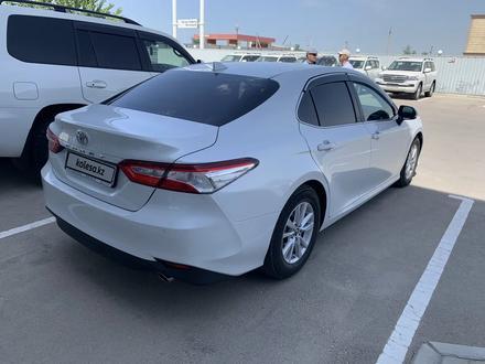 Toyota Camry 2018 года за 11 700 000 тг. в Актау – фото 4