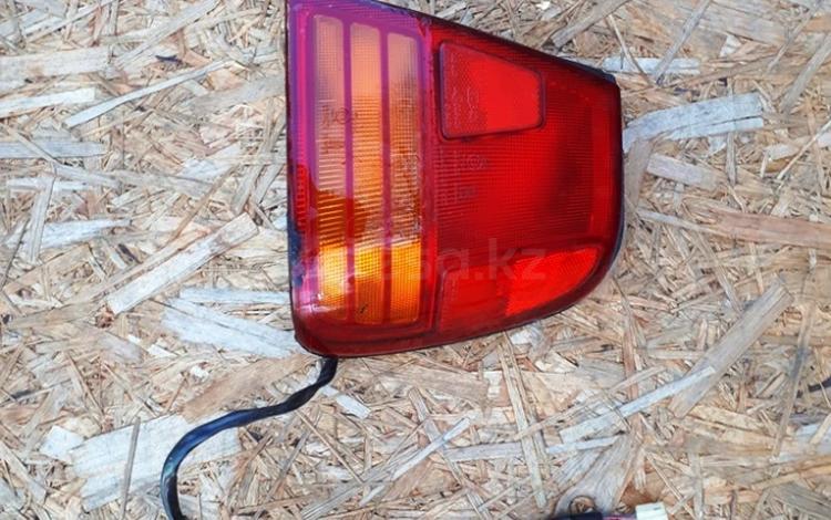 На SUZUKI SWIFT CULTUS фонарь правый за 15 000 тг. в Алматы