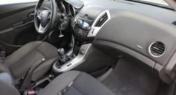 Chevrolet Cruze 2013 года за 3 650 000 тг. в Актобе – фото 4