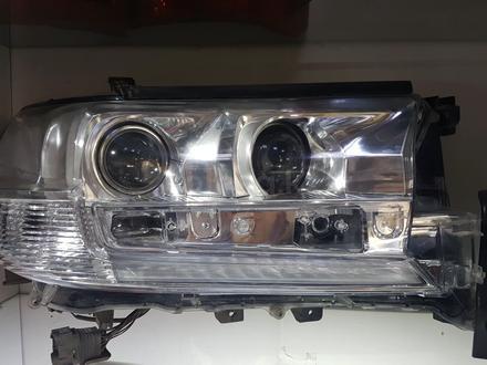 Фара на Land Cruiser 200 за 75 000 тг. в Алматы