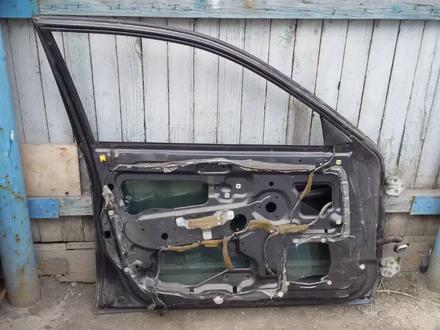 Двери передние и задние на MITSUBISHI CARISMA седан 1997 г.в за 25 000 тг. в Караганда – фото 2