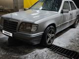 Mercedes-Benz E 220 1994 года за 2 900 000 тг. в Шу – фото 2