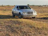 Mercedes-Benz E 220 1994 года за 2 900 000 тг. в Шу – фото 4