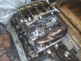 На Touareg 4.2 AXQ блок двигателя поршень ГБЦ распредвал шатун за 125 000 тг. в Алматы – фото 3