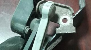 Датчик положения кузова на ауди А8Д3 в Караганда