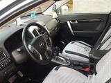 Chevrolet Captiva 2012 года за 4 800 000 тг. в Уральск – фото 2