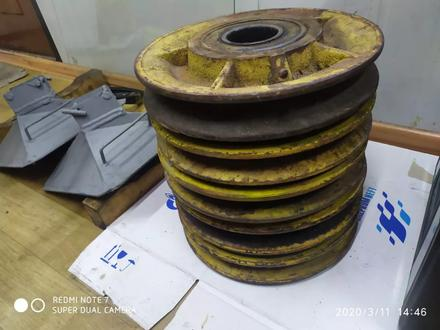 Ролики Блочки для Автокрана 3577 и 3575а в Алматы – фото 2