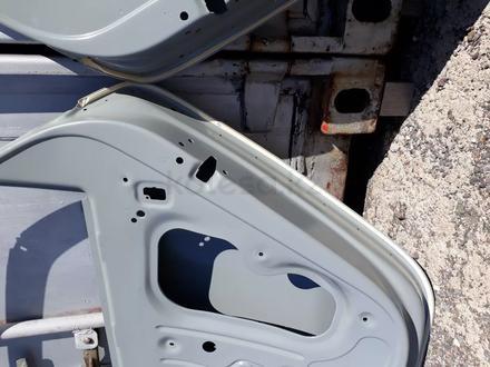 Двери передние VW Polo 09 — 17 гг за 888 тг. в Караганда – фото 16