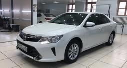 Toyota Camry 2017 года за 9 200 000 тг. в Атырау